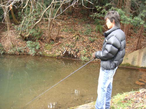 岐阜の野池でバス釣り