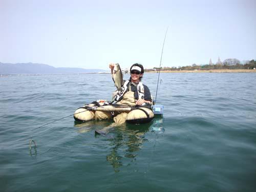 琵琶湖木浜でフローターによるブラックバス釣り