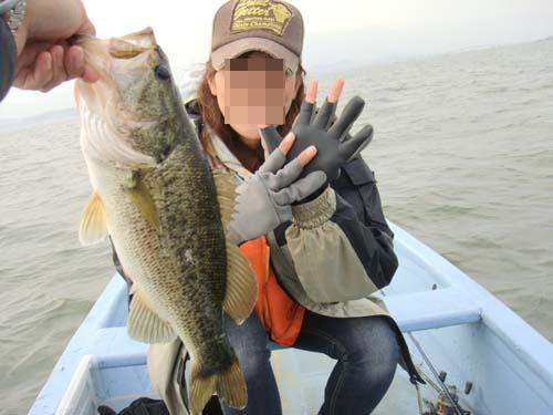 琵琶湖南湖でバス釣り