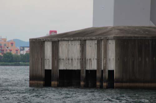 琵琶湖大橋の破損