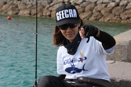 宜野湾港で釣り