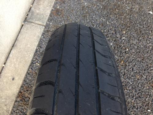 タイヤの膨らみ