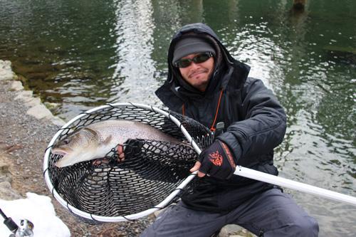 イトウ釣り