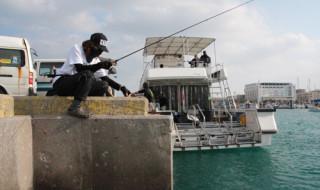 宜野湾港(ぎのわん)でエサ釣り
